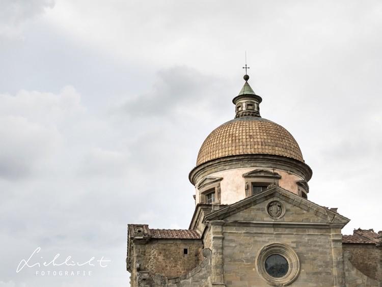 lieblicht-1-hochzeitsreportage-toskana-kirche